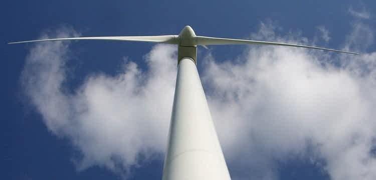 https://mlumziziqudm.i.optimole.com/7yKA-KM.PDzR~368c0/w:auto/h:auto/q:55/https://www.hitwind.com/wp-content/uploads/2019/01/vestas-v42-600kw-wind-turbine-750x360-lifted_old.jpg